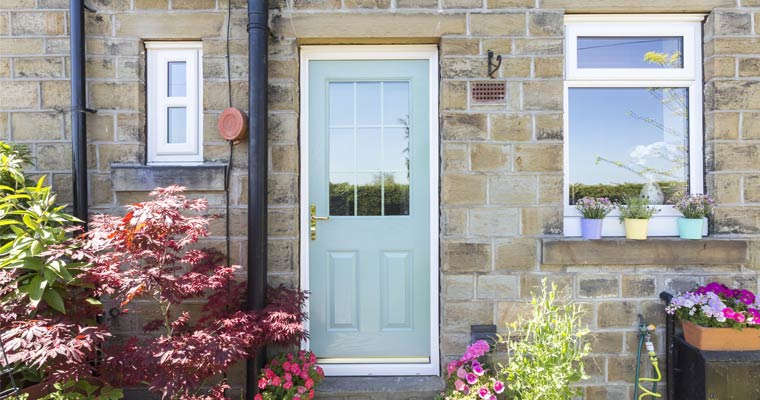 What are the features of Safestyle composite doors? & Our Composite door range | Safestyle UK