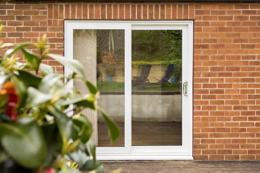 Upvc double glazed sliding patio doors safestyle uk for Patio doors uk