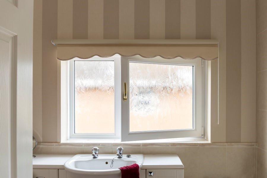 Bathroom Window Uk upvc obscure privacy glass windows | safestyle uk