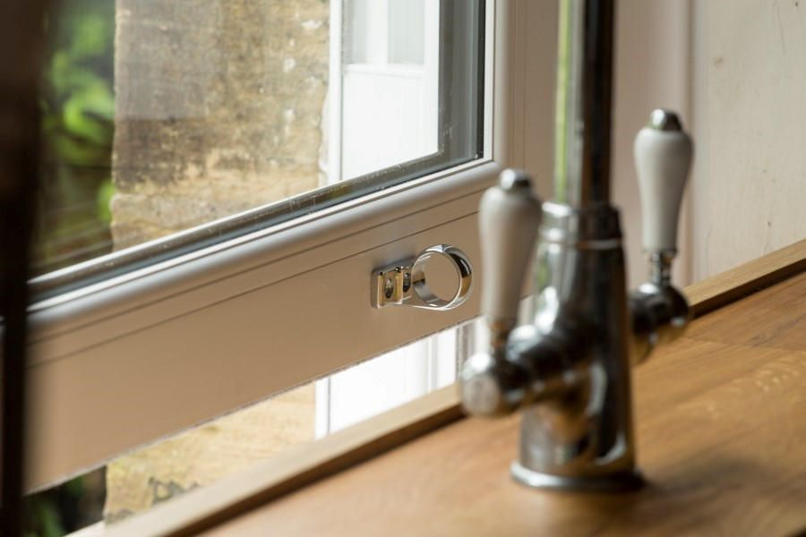 Kitchen sash loop handle