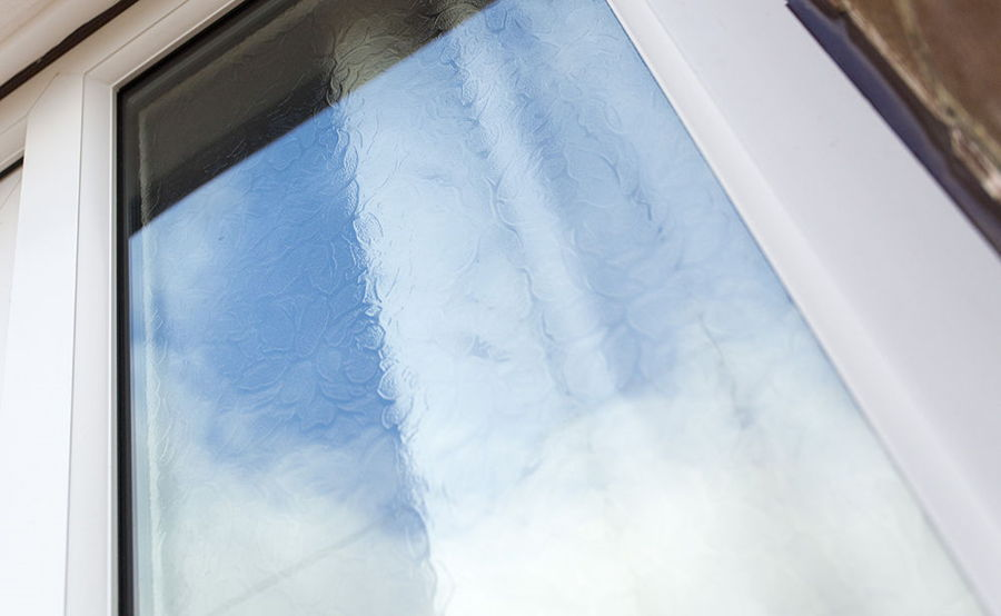 Upvc obscure privacy glass windows safestyle uk for Privacy glass options